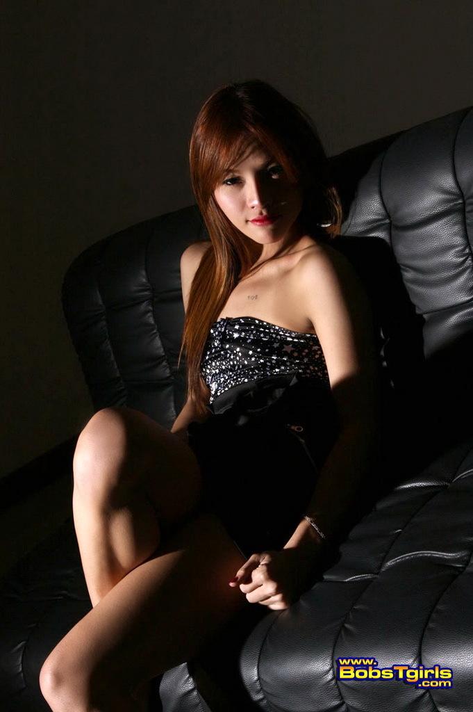 Gorgeous Exotical Ladyboy Gam Posing Her Marvelous Body