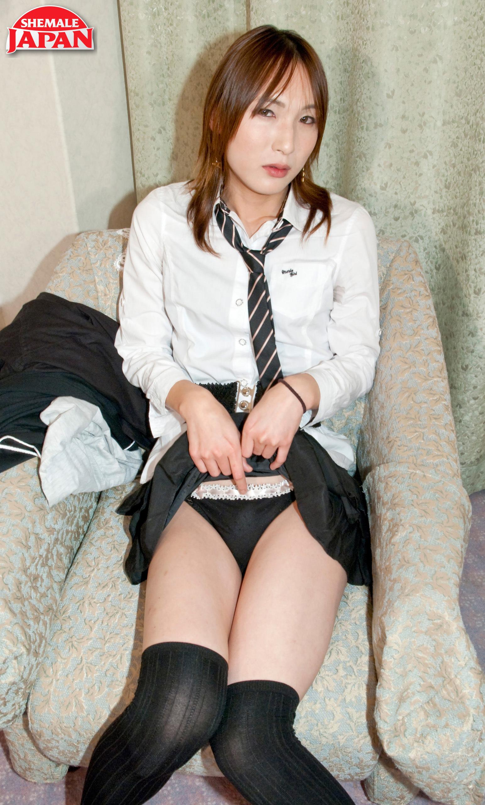 Hungry School-Girl Narumi!