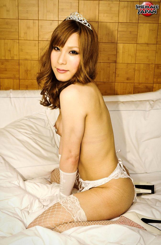 Princess Kumi Returns To Tranny Japan And She Craves The Way