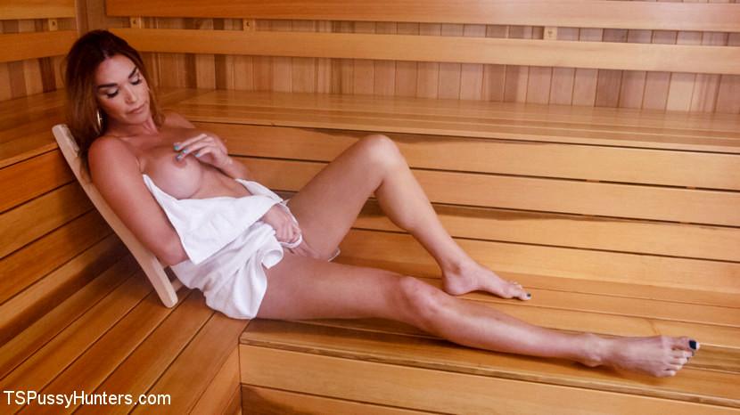 Sauna Strangers Fuck And Do A Naughty Cream Pie