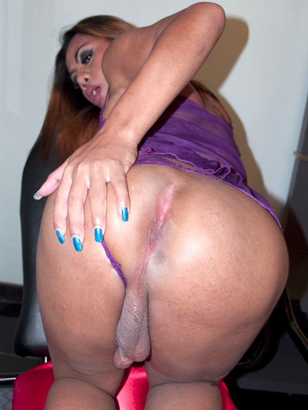 Sex Chair Fuck And No Condom Cream Pie For Huge Asshole Femboy