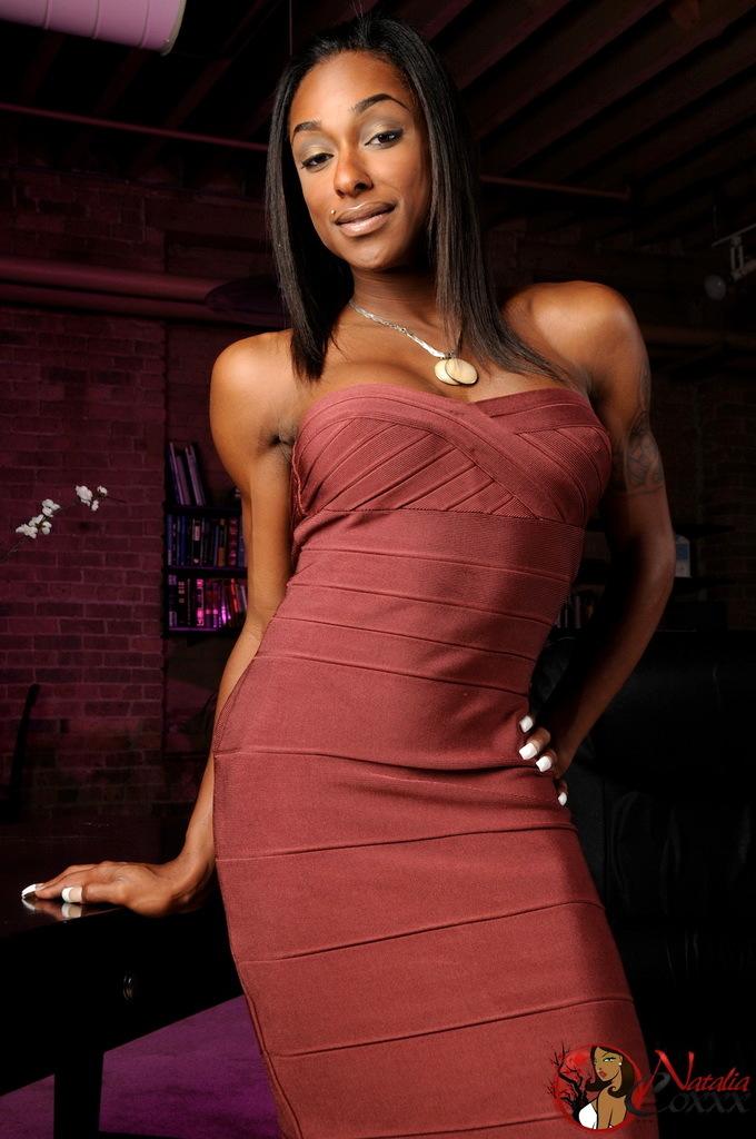Wonderful Ebony Tranny Goddess Natalia Coxxx Posing